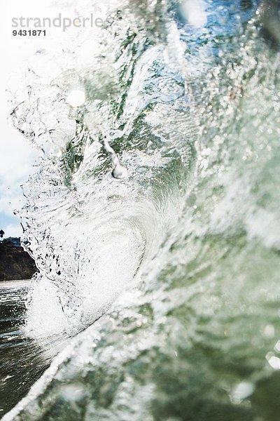 Nahaufnahme der rollenden Meereswelle, Encinitas, Kalifornien, USA