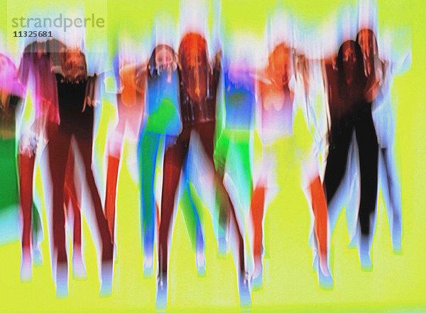Bewegung,Bewegungsunschärfe,Erwachsener,Fokus,Frau,Konzept