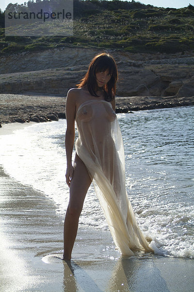 spanische Frau nackt
